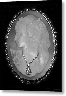 Cameo In Black And White Metal Print by Rob Hans