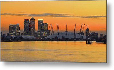 Canary Wharf At Sunset Metal Print by Photography Aubrey Stoll