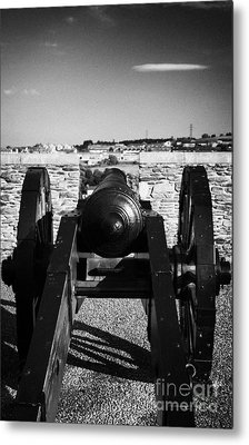 Cannon On Church Bastion Facing Out On The 17th Century Walls Of Derry City Metal Print by Joe Fox
