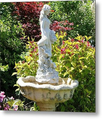 {canon 550d #decorative #statue Metal Print by Paul Petey