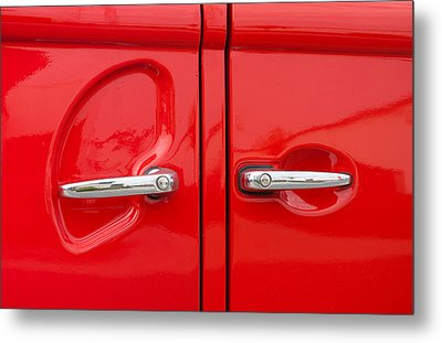 Car Handles Metal Print by Hans Engbers