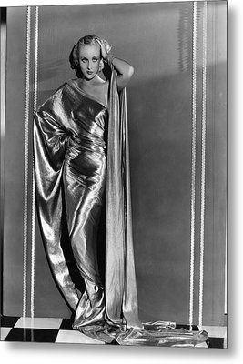 Carole Lombard, In A Paramount Metal Print by Everett