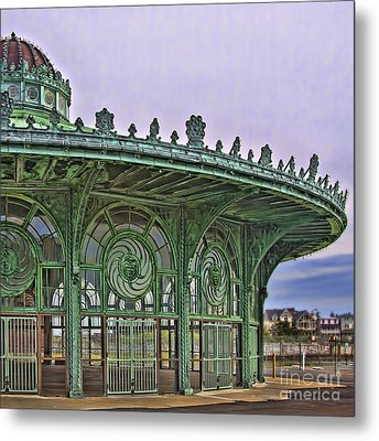 Metal Print featuring the photograph Carousel House by Vicki DeVico