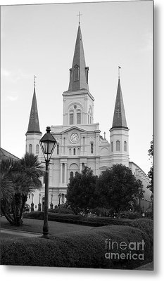 Cathedral And Lampost On Jackson Square In The French Quarter New Orleans Black And White Metal Print