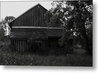 Chet's Barn Metal Print by Anna Villarreal Garbis