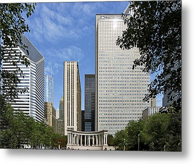 Chicago Millennium Monument And Fountain Metal Print