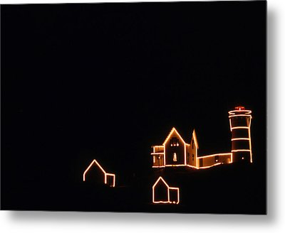 Christmas At The Nubble Metal Print by Skip Willits