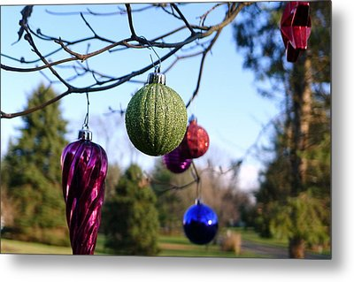 Christmas Baubles Metal Print by Richard Reeve