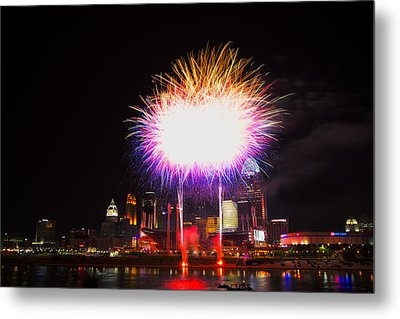 Cincinnati Reds Fireworks - Grand Finale Metal Print