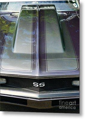 Classic Camaro Ss Hood Cowl Metal Print by Paul Ward