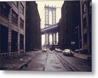 Classic View Of The Manhattan Bridge Metal Print by Everett