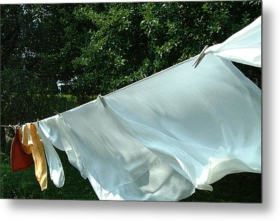Metal Print featuring the photograph Clothes Line by Peg Toliver