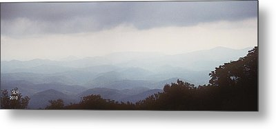 Clouds In The Mountains Metal Print