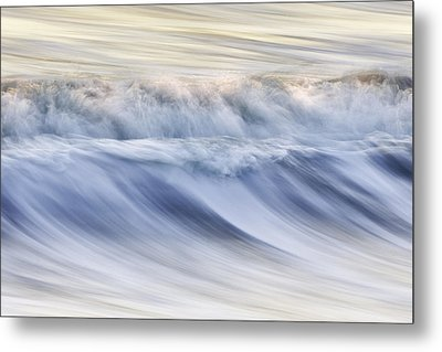 Color Wave IIi Metal Print by Rob Travis