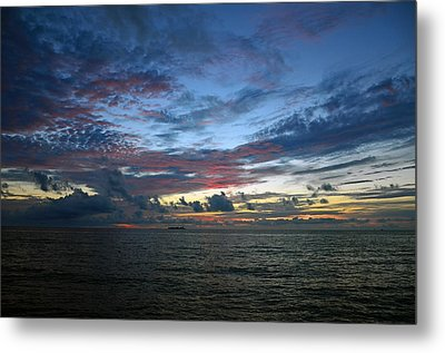 Colors Of The Predawn Metal Print by Ken  Collette