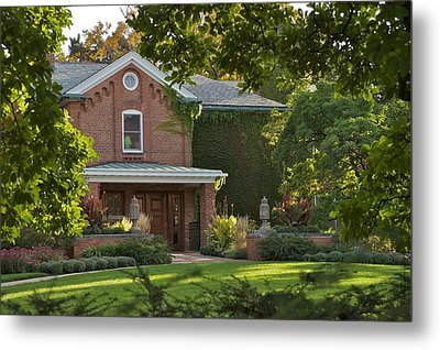 Metal Print featuring the photograph Cowles House by Joseph Yarbrough