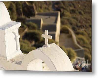 Metal Print featuring the photograph Cross by Leslie Leda
