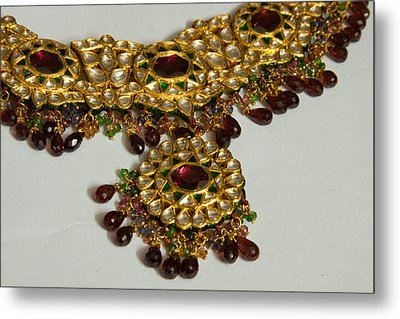 Cross Section Of A Purple And Yellow Gold Beautiful Necklace Metal Print by Ashish Agarwal