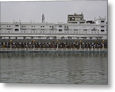 Crowd Of Devotees Inside The Golden Temple Metal Print by Ashish Agarwal