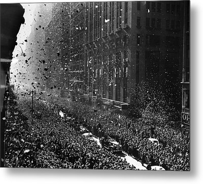 Crowds On Seventh Avenue In New York Metal Print by Everett