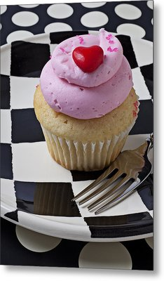 Cupcake With Heart On Checker Plate Metal Print by Garry Gay