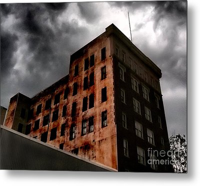 Dark Shadows  Metal Print by Tammy Cantrell
