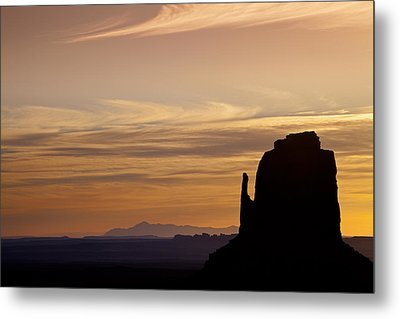 Dawn In The West Metal Print by Andrew Soundarajan