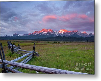 Dawn Light On The Sawtooth Mountains Metal Print by Keith Kapple