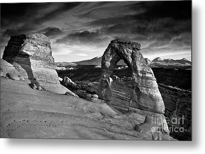 Delicate Arch Bw Metal Print