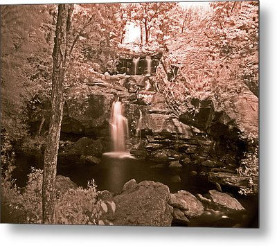 Metal Print featuring the photograph Devil's Hopyard by William Fields