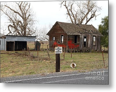 Dilapidated Old Farm House . No Trespassing . No Hunting . 7d10335 Metal Print by Wingsdomain Art and Photography