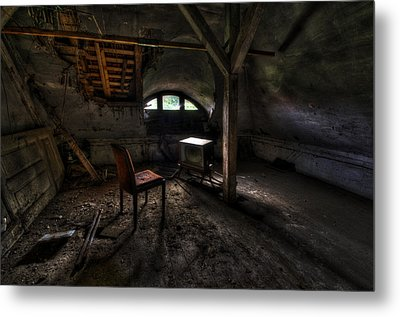 Dirty Tv Metal Print by Nathan Wright