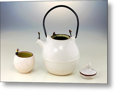 Diving On Tea Pot And Cup Metal Print by Paul Ge