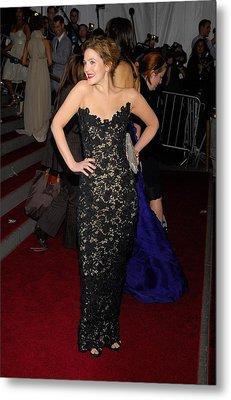 Drew Barrymore Wearing Oscar De La Metal Print by Everett