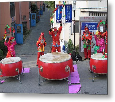 Drumming For The Wedding Metal Print by Alfred Ng