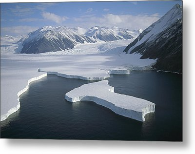 Dugdale And Murray Glaciers Antarctica Metal Print by Tui DeRoy