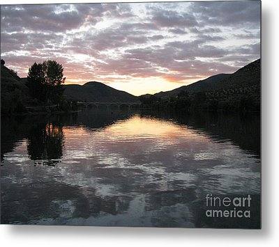 Metal Print featuring the photograph Dusk On The River by Arlene Carmel