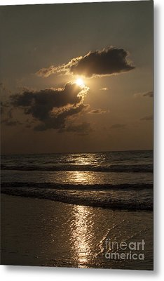 East Coast Sunrise Metal Print by Darleen Stry