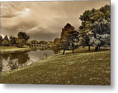 Metal Print featuring the photograph Eery Day by Brian Duram