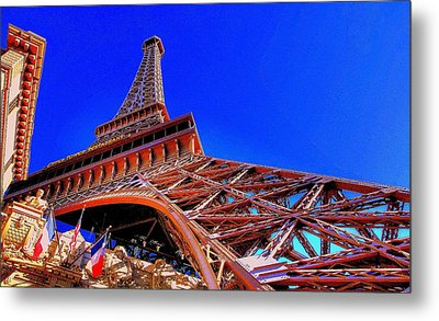 Eiffel Tower At Paris Las Vegas Metal Print by Linda Edgecomb