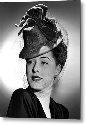 Eleanor Parker Wearing A Tall Crowned Metal Print by Everett
