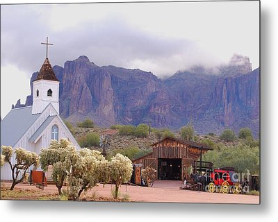 Metal Print featuring the photograph Elvis Memorial Chapel by Tam Ryan