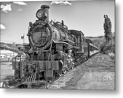 Metal Print featuring the photograph Engine 593 by Eunice Gibb