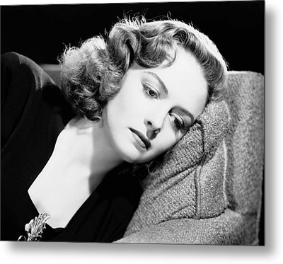 Eyes In The Night, Donna Reed, 1942 Metal Print by Everett