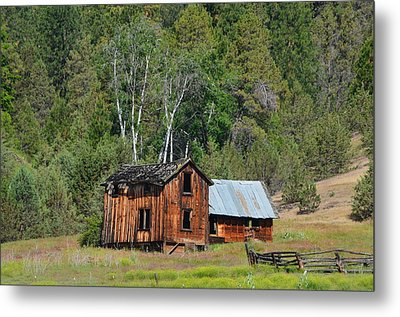 Farm House Metal Print by Melissa  Maderos