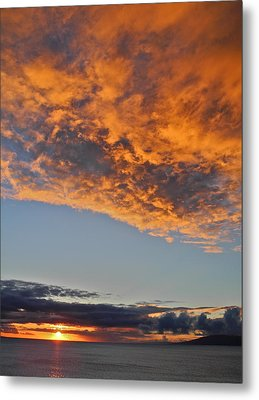 Fiery Sky At Sunset In Maui Metal Print by Kirsten Giving