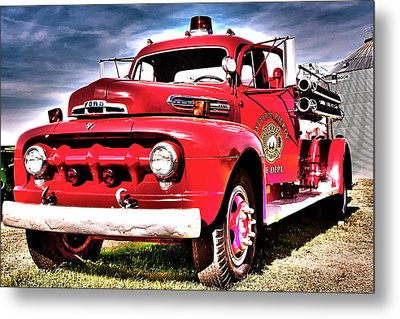 Fire Truck Metal Print by Susi Stroud