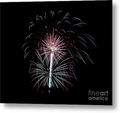 Metal Print featuring the photograph Fireworks 13 by Mark Dodd