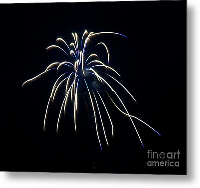 Metal Print featuring the photograph Fireworks 4 by Mark Dodd