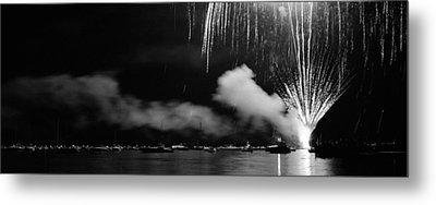 Fireworks Tahoe Ca Metal Print by Isak Hanold